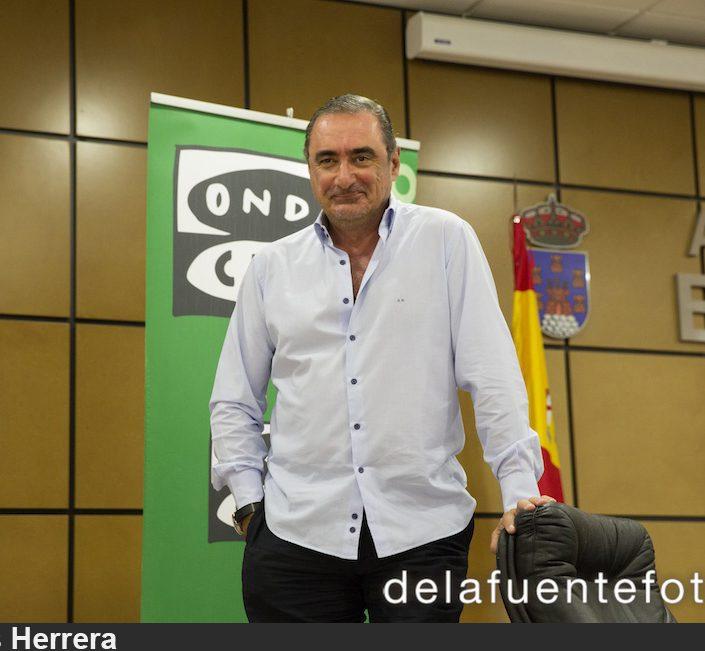 Carlos Herrera en acción