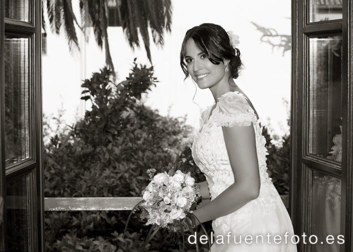 Foto en sepia de la novia