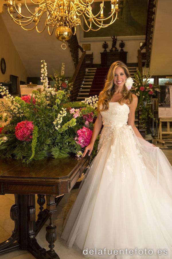 La novia posando antes de bailar